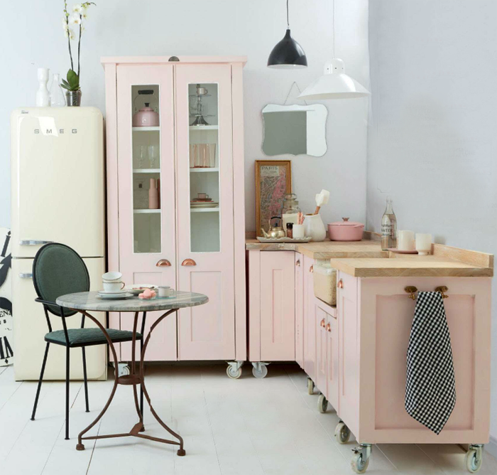 cuisine démontable amovible rose pastel smeg roulettes clem around the corner