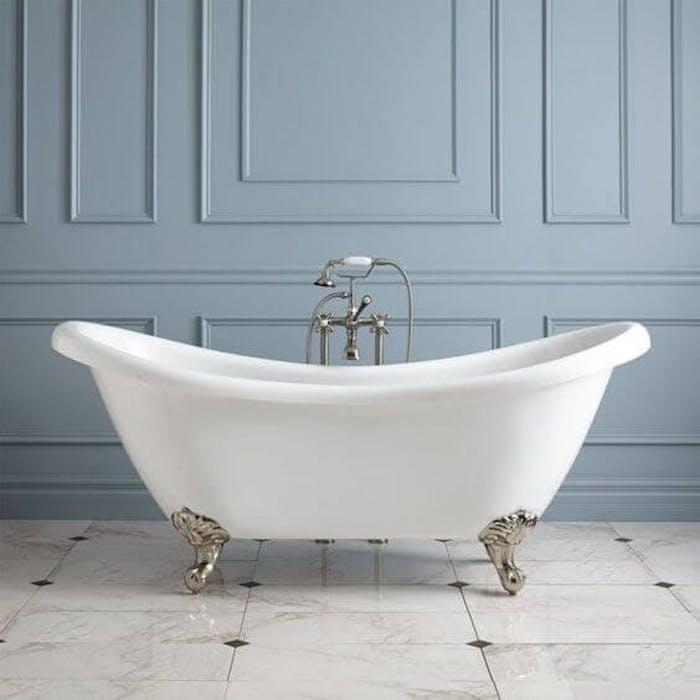 bleu glacier baignoire mur bois