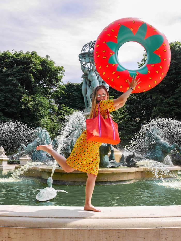 plage a paris le jacquard français fraise robe jaune blog déco clemaroundthecorner sac fontaine paris