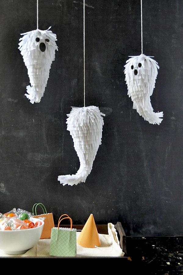 idées diy Halloween thème fantôme pinata à faire soi même clem around the corner