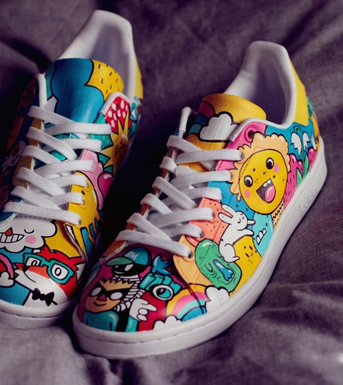 comment customiser ses chaussures stan smith posca