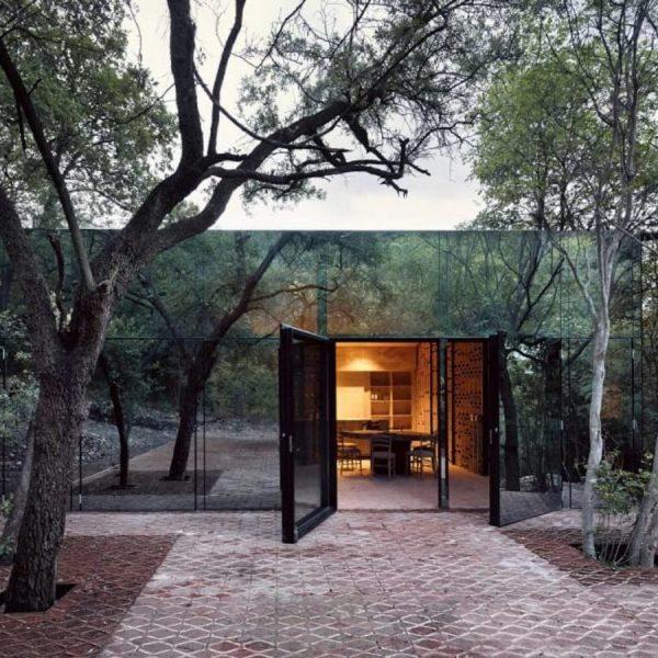 maison de verre invisible foret Monterrey blog deco architecture clem around the corner