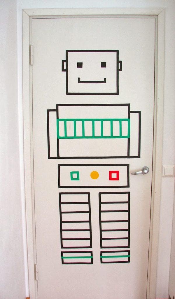 idée décorer une porte masking tape robot chambre enfant