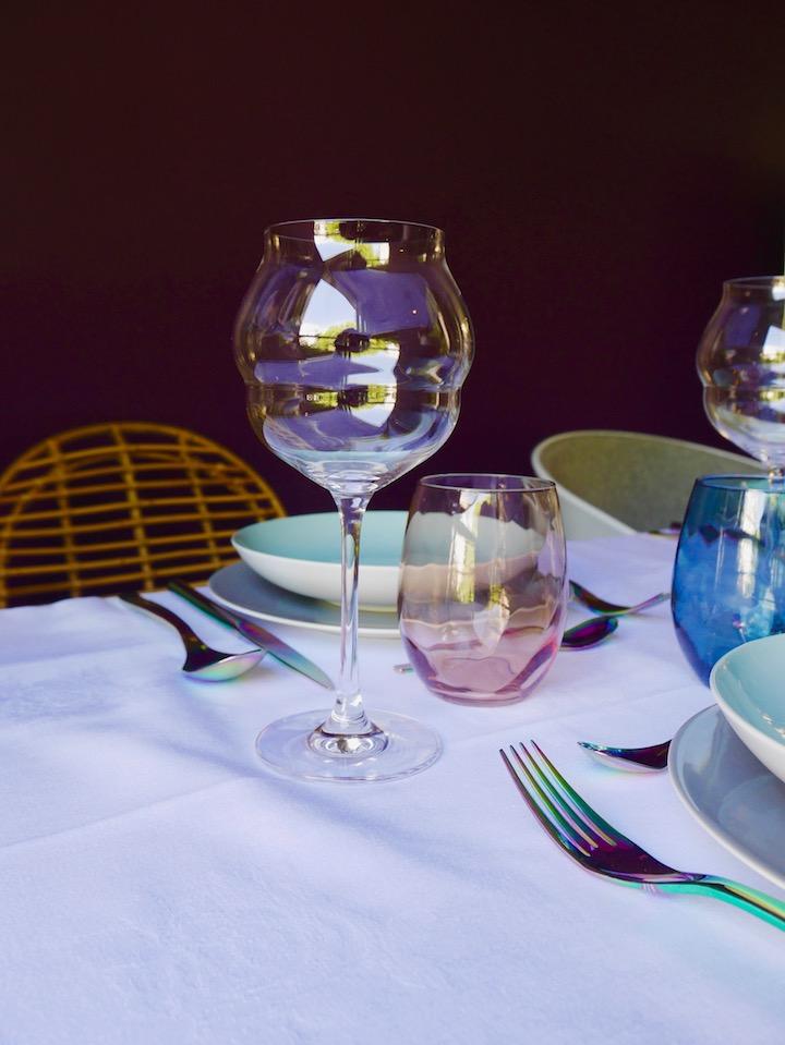 table de fête des mères printanière verre à pied macaron bourrelet blog déco clem around the corner
