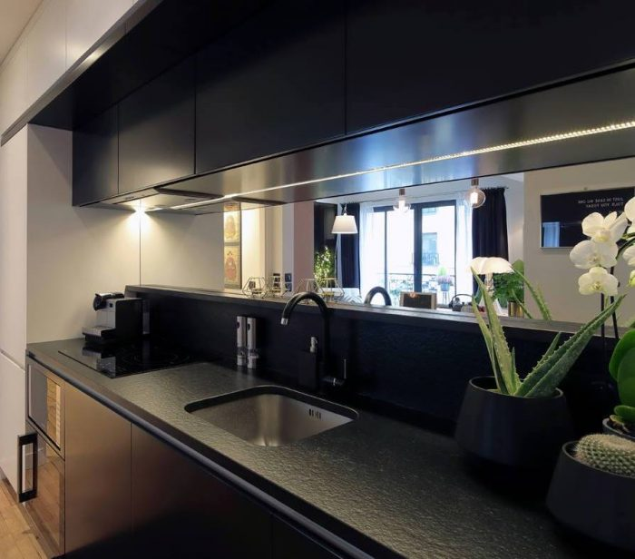 appartement chic paris cuisine noir amenagement