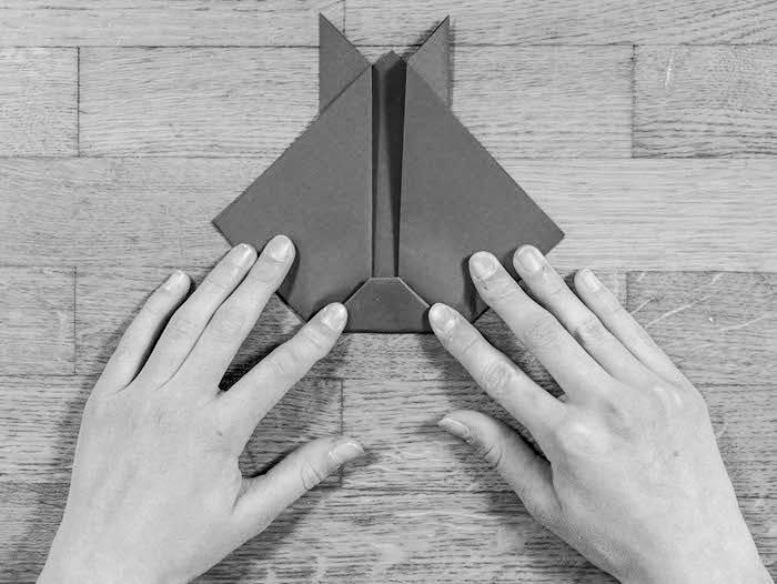 activite facile lapin marque page carre coupe triangle tete fin