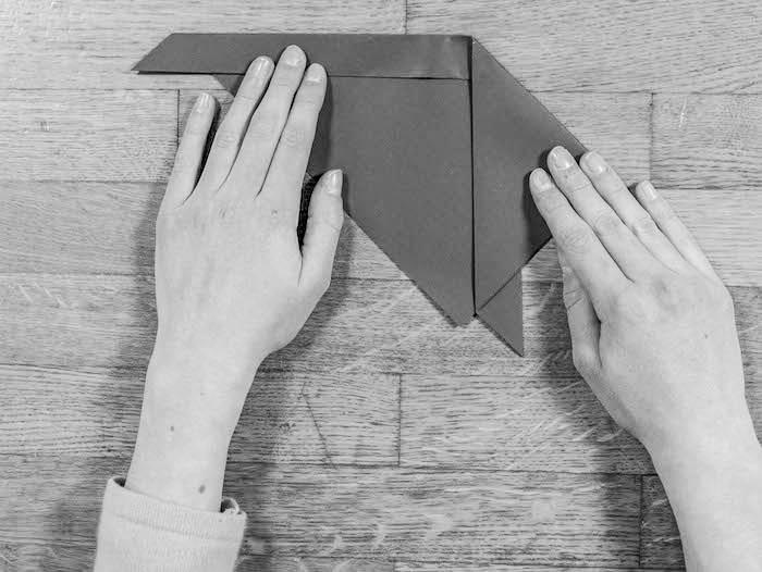 activite facile lapin marque page carre coupe triangle tete