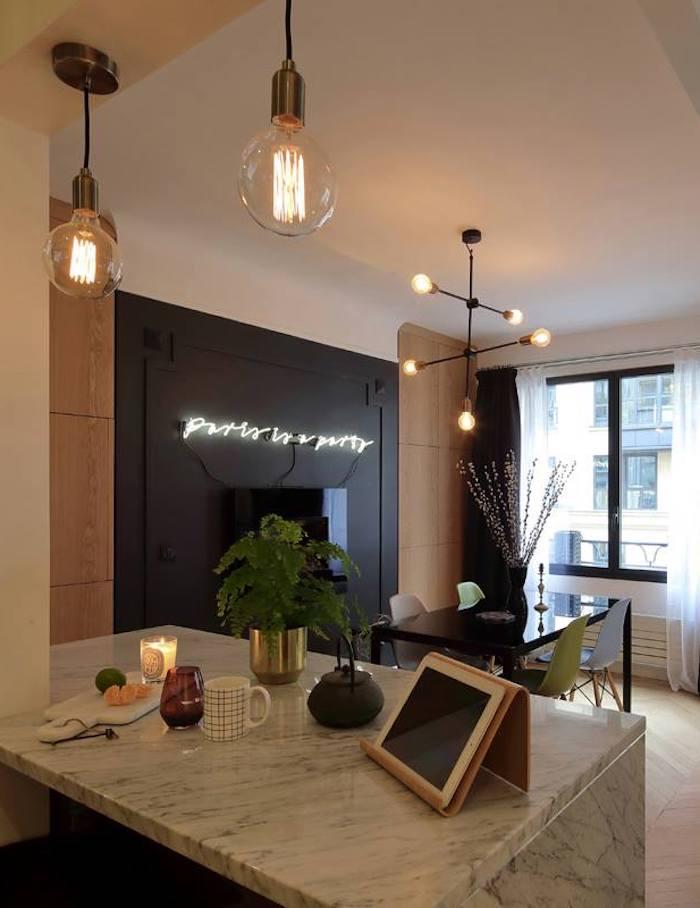 appartement chic parisien marbre plan de travail cuisine