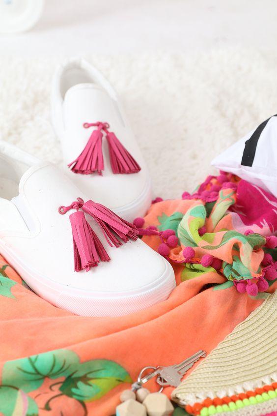 comment customiser ses chaussures slip on pompon clem around the corner