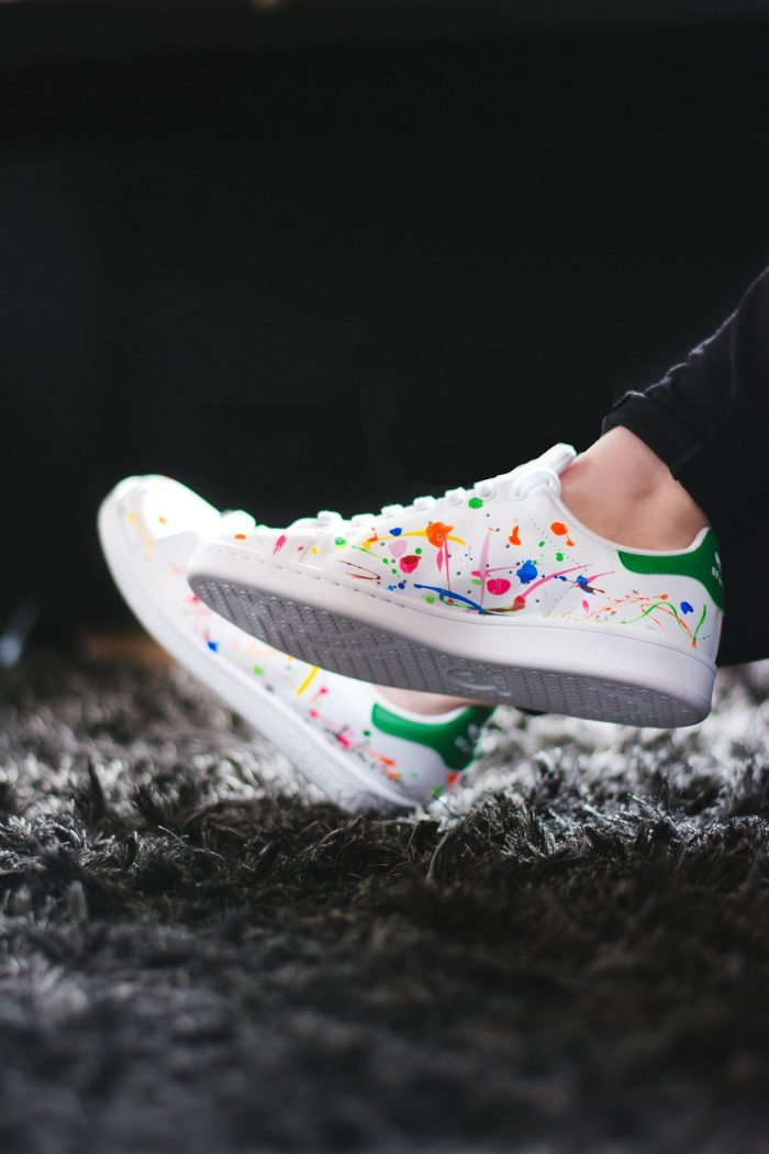 comment personnaliser ses chaussures stan smith diy hack