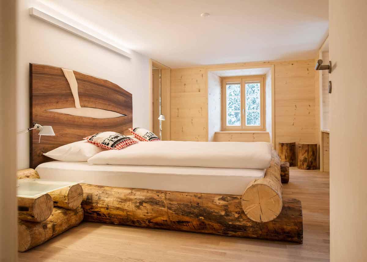 que faire avec un morceau de tronc d'arbre lit couverture