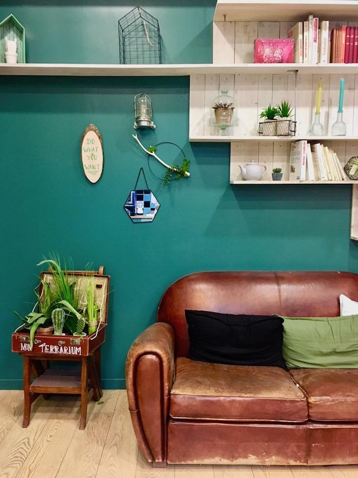 terrarium diy deco recup mur couleur vert canard salon