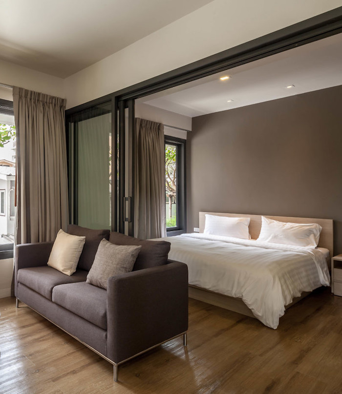appartements à bangkok suite chambre couleurs sobres