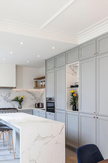 cuisine marbre ilot central maison de 210m2 blog deco clemaroundthecorner