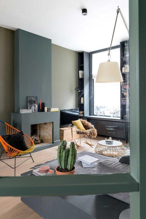 appartement bohème aux couleurs froides camaieu de vert blog déco clemaroundthecorner