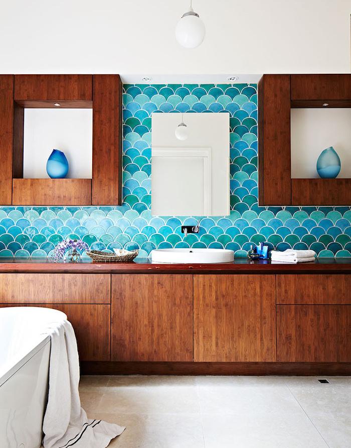 carrelage écaille salle de bain turquoise
