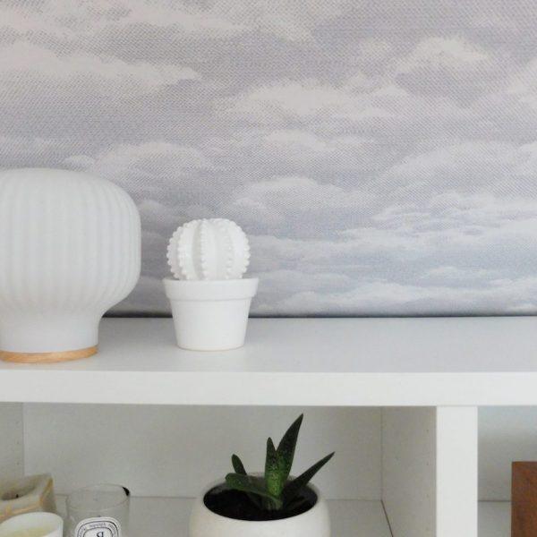 DIY comment pose du papier peint intissé motif nuage blog déco clemaroundthecorner