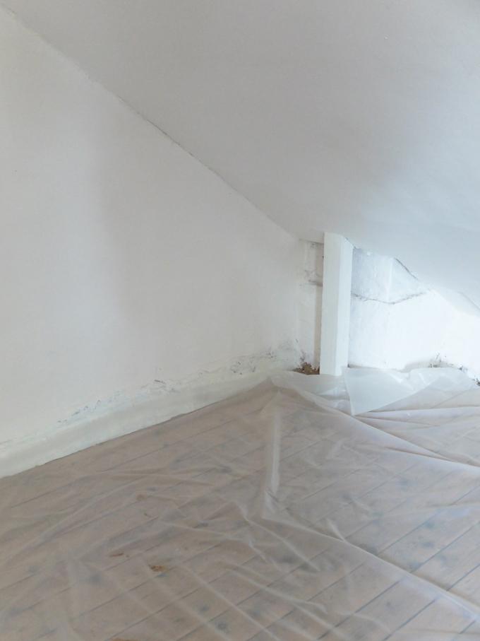 DIY comment pose du papier peint intissé conseils protection sol