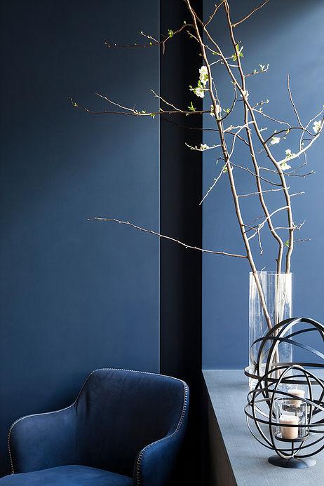 coin lecture ton sur ton bleu maison de 210m2 blog deco clemaroundthecorner