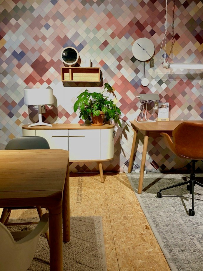 zuiver design hollandais meubles salon scandinave mur multicolore losange - Blog déco - Clem Around The Corner