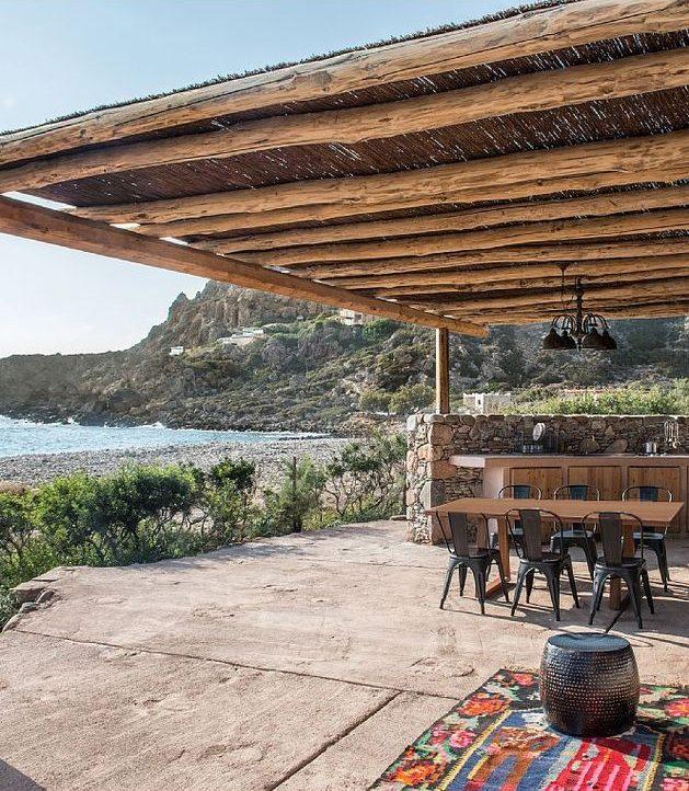 maison en grèce terrasse cuisine extérieure