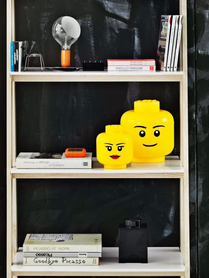 rangement ludique boite geante tete lego blog deco clem around the corner