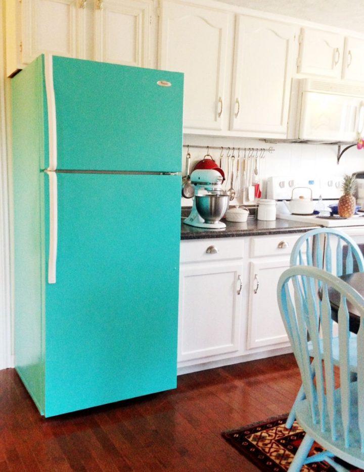 Customiser le frigo avec de la peinture vert menthe blog déco clem around the corner