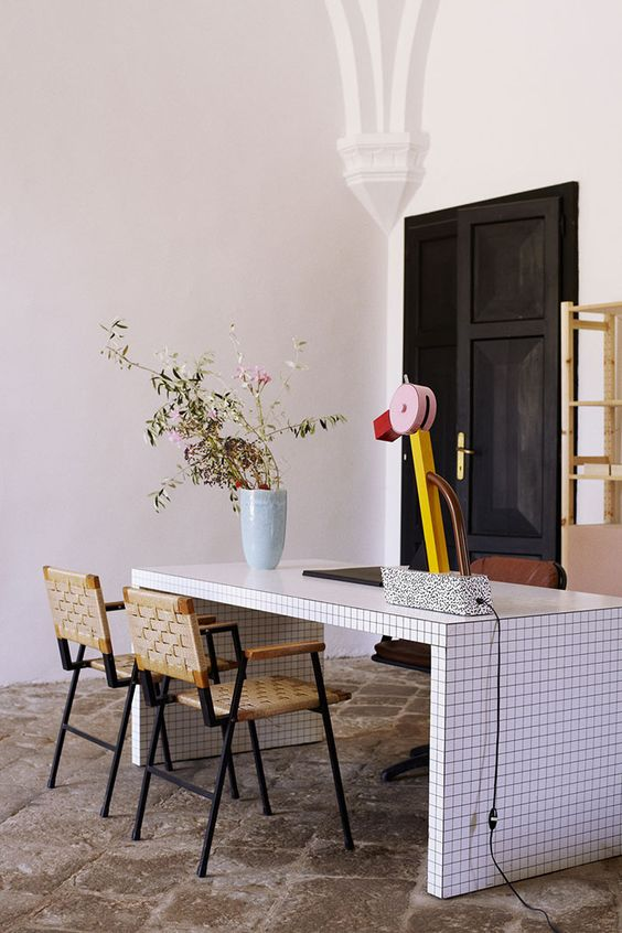 lampe de createur memphis design Tahiti Ettore Sottsass blog déco clem around the corner