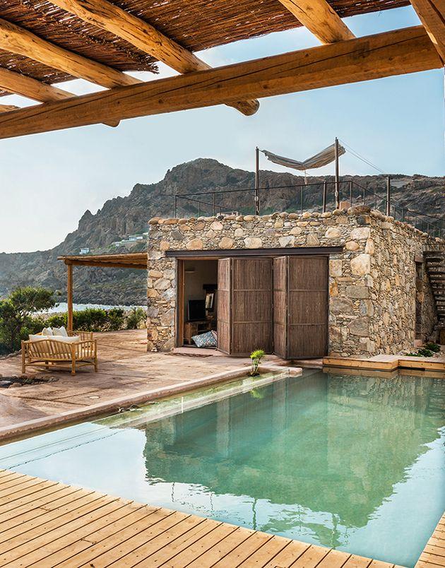 maison en grèce piscine refuge mer vacances