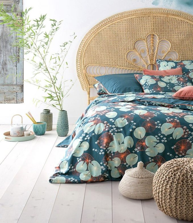 tête de lit en rotin arabesque design couronne cannage fleur emmanuelle blog deco clem around the corner