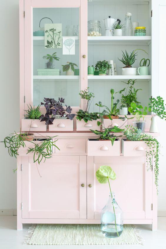 vaisselier upcycling diy meuble végétal rose blog deco clemaround the corner