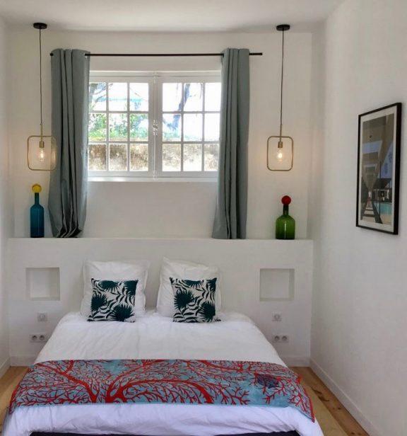 villa avec rooftop à Biarritz chambre motif corail blog déco clemaroundthecorner
