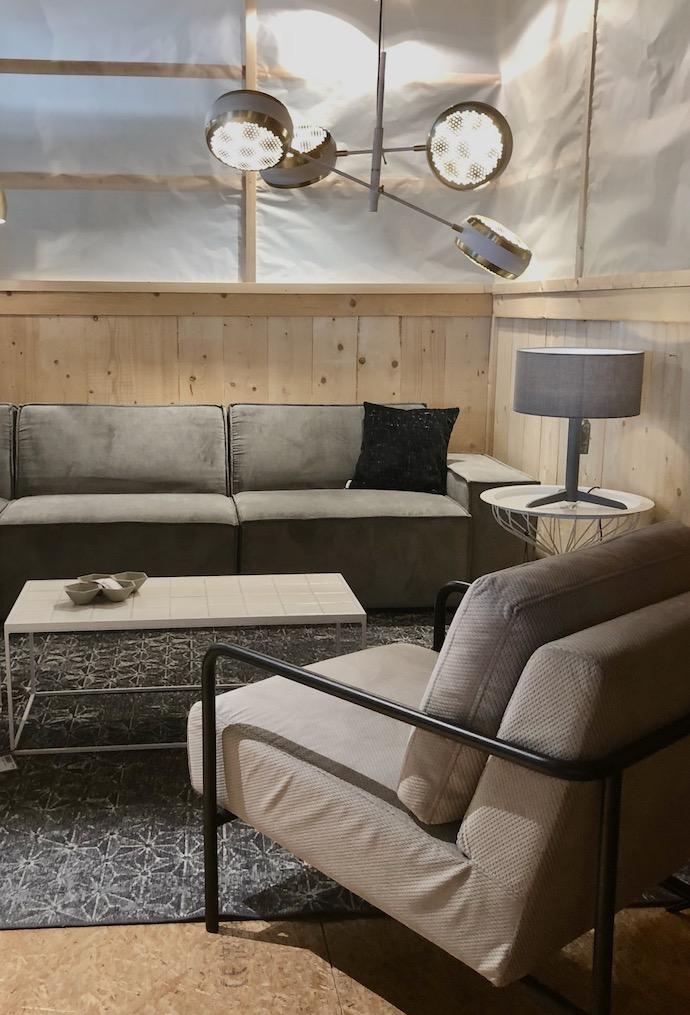 zuiver design hollandais meubles salon décoration moderne gris bois clair - Blog déco - Clem Around The Corner