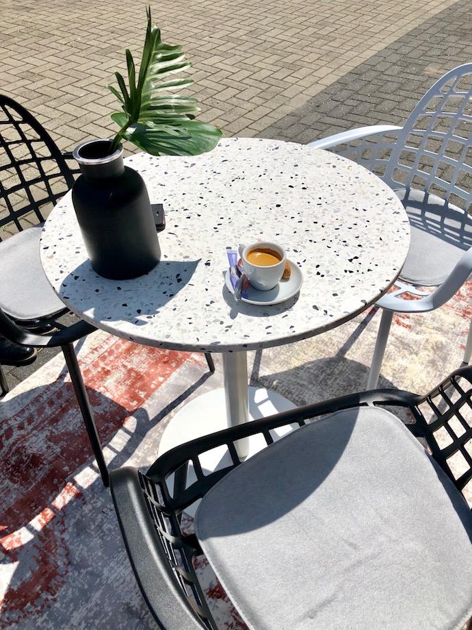 zuiver design hollandais meubles salon jardin table terrazzo extérieur - Blog déco - Clem Around The Corner