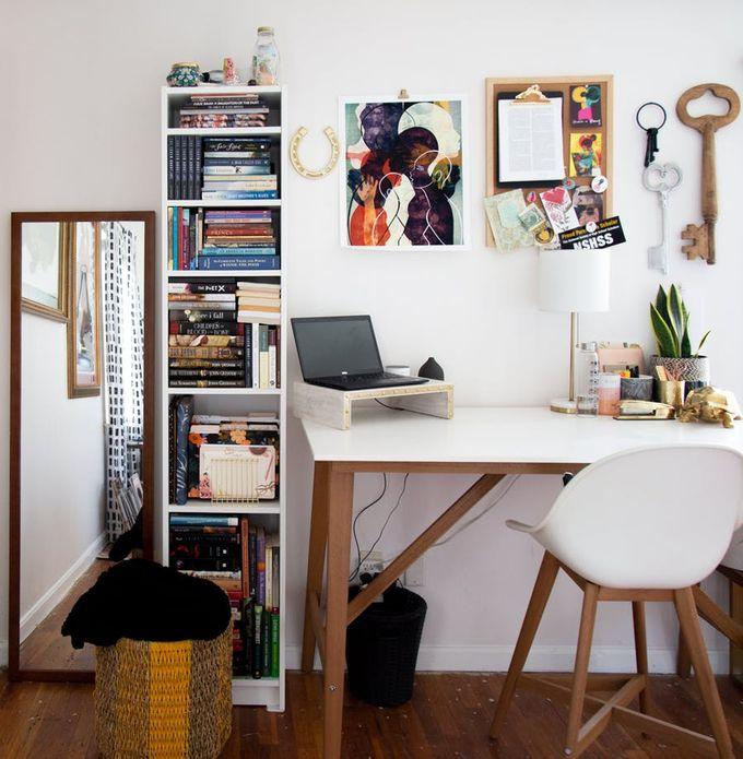 appartement minimaliste parquet bois tableau afro décoration clemaroundthecorner blog déco
