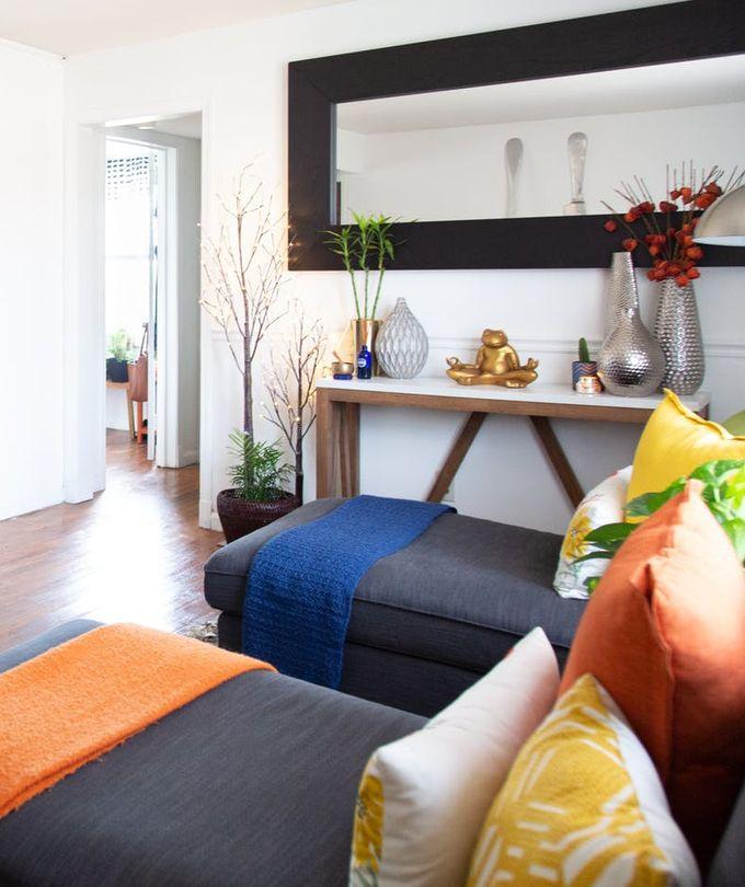 appartement minimaliste méridienne plaid orange bleu coussins clemaroundthecorner blog déco