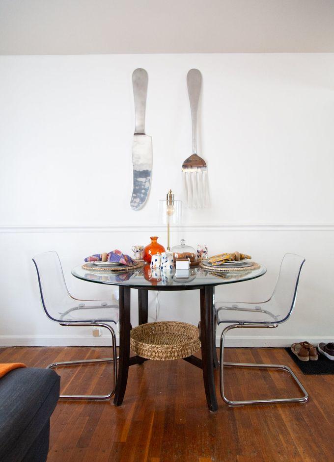 appartement table a manger transparente vaisselle panier clemaroundthecorner blog déco