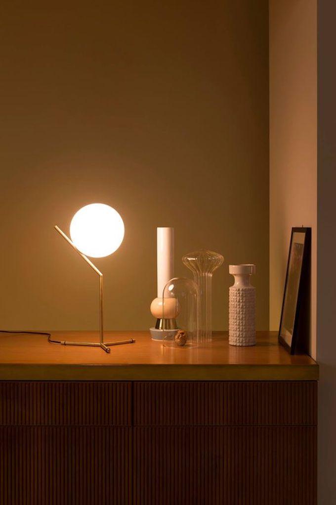 lampe boule à poser décoration meuble bois flos luminaire clemroundthecorner blog déco
