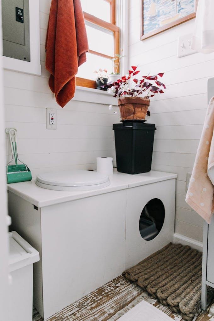 petite maison simple toilettes wc écologique litière diy maison roulotte