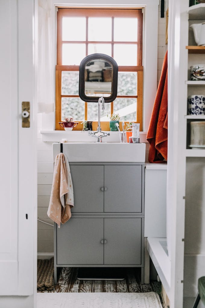 petite maison simple diy ikea meuble salle de bain roulotte customisation