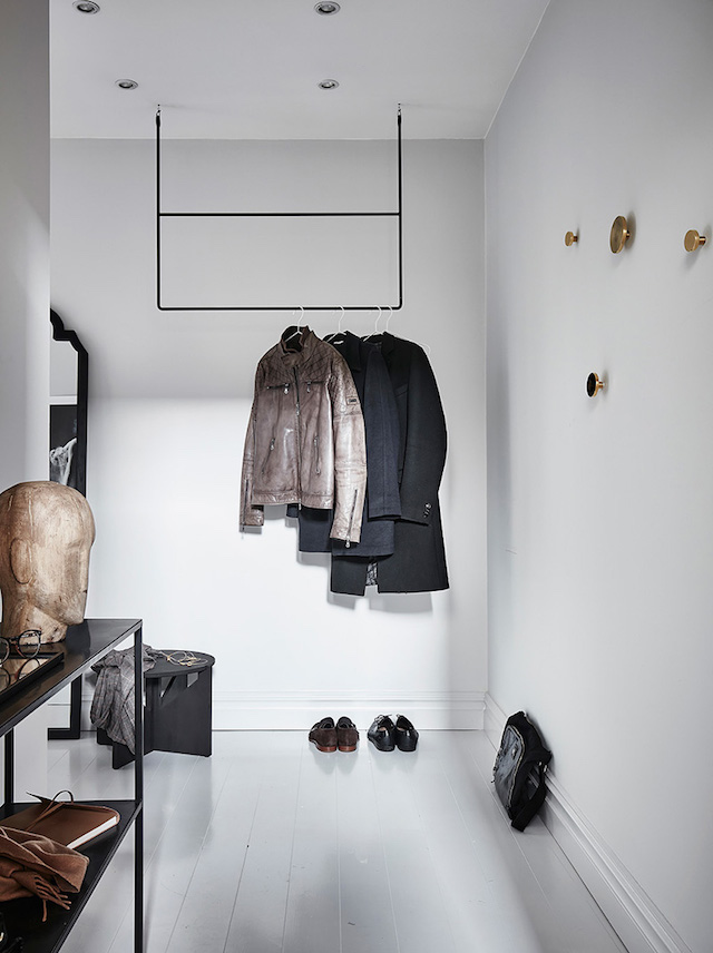 penderie ouverte minimaliste shades of grey - blog déco - clem around the corner