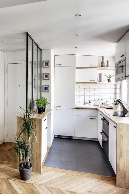 aménager 20m2 petite cuisine studio meubles kitchenette blanc gris aménagement décoration