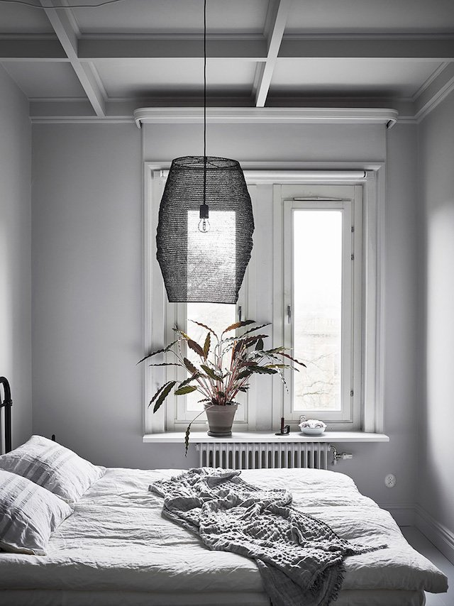 chambre suspension grillage gris shades of grey - blog déco - clem around the corner