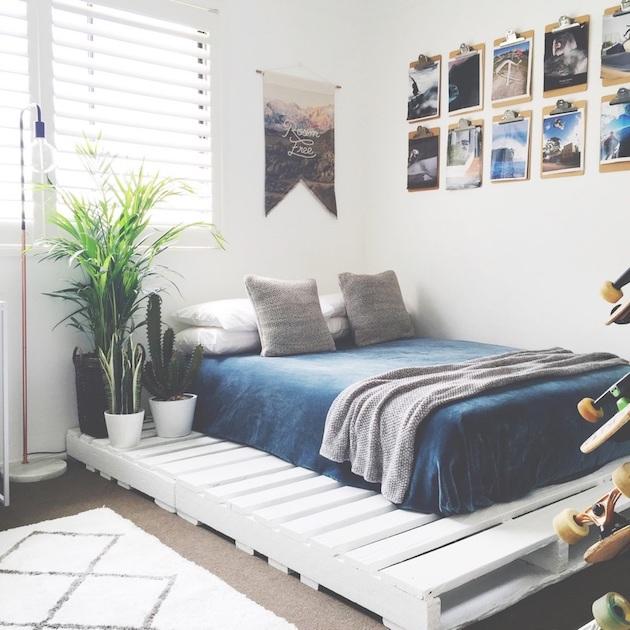 comment faire un lit en palette blanc cosy boho bohème finition plante décoration clemaroundthecorner blog déco