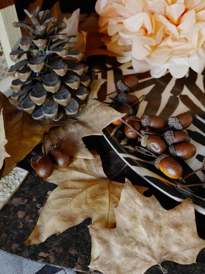 idée déco d'automne à faire soi même pommes de pin ballade forêt feuilles fleurs papier blog déco clem around the corner