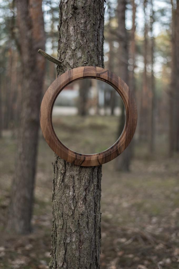 miroir rond en bois forêt trompe l'oeil histoire design polonais - blog déco - Clem Around The Corner