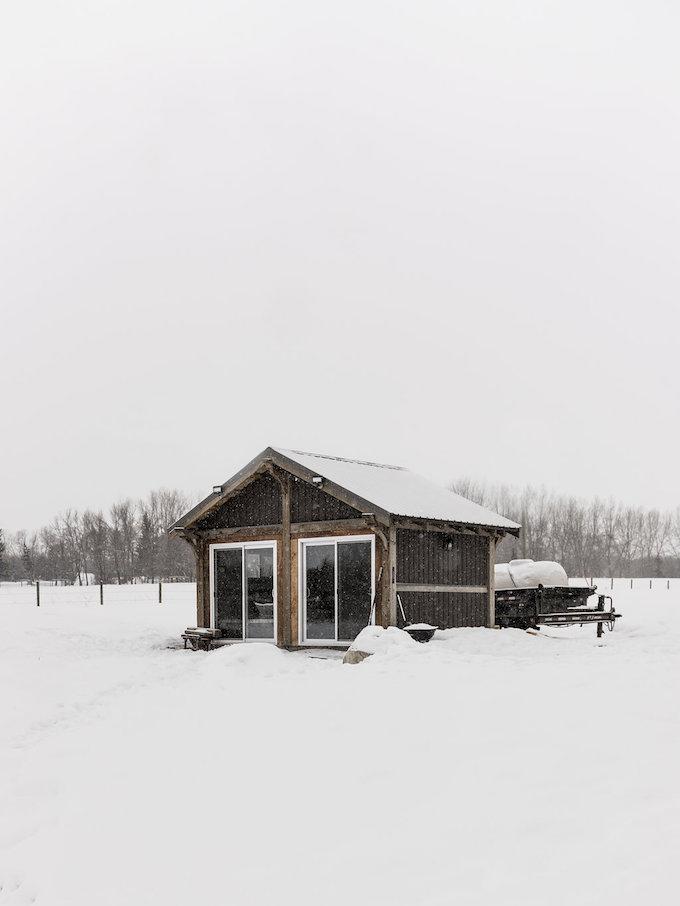 petit chalet vintage maison neige forêt canada blog déco clem around the corner