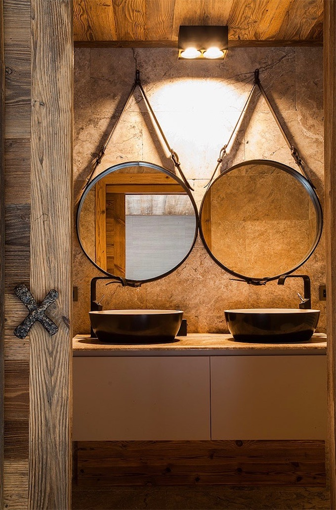déco montagne chalet du Père Noël salle de bain symétrique vintage - blog décoration - clem aroud the corner