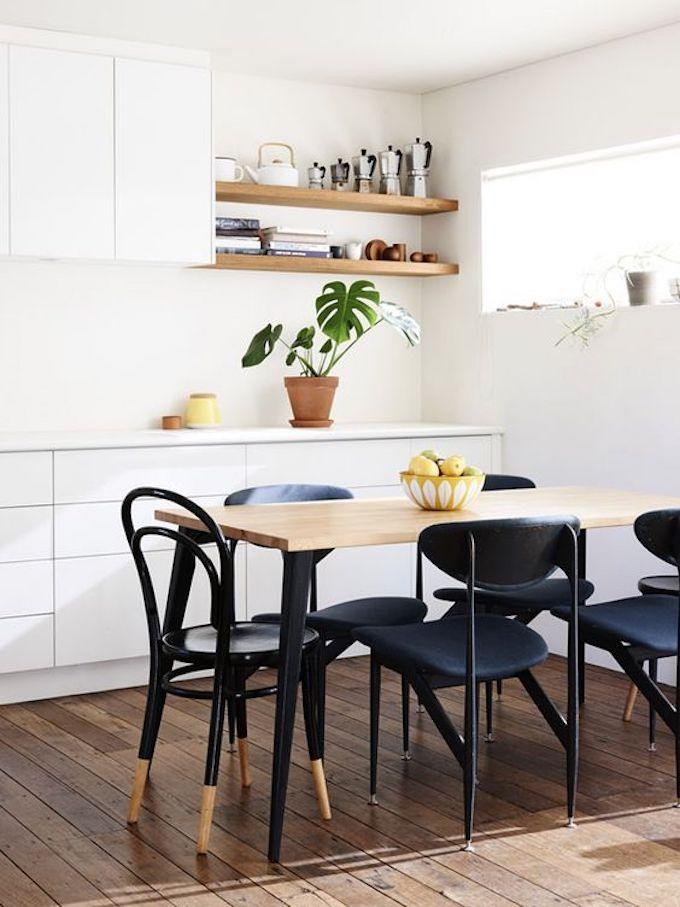 assortir des chaises dépareillées noir bois blog déco clem around the corner