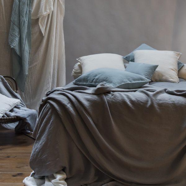 linge de lit en chanvre textile chambre décoration coussin lit - blog déco - Clem around the corner